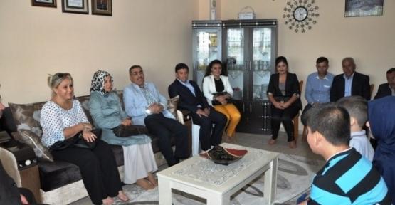 Başkan Çelikcan Ve Balcılar'dan Şehit Ailesine Bayram Ziyareti