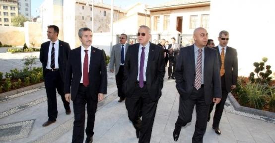 Başkan Güzelbey Şahinbey Belediyesinin Hizmetlerini Gezdi
