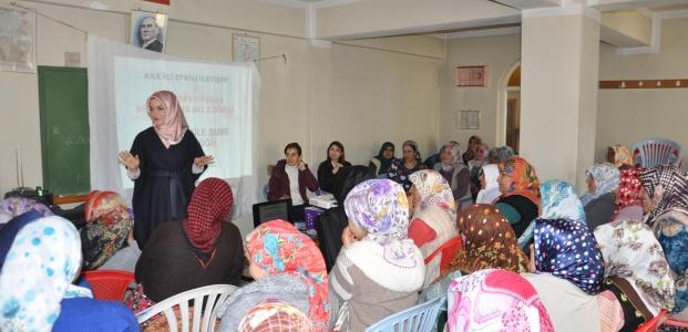 Büyükşehir'den Kadın Çiftçilere Aile İçi İletişim Seminerleri