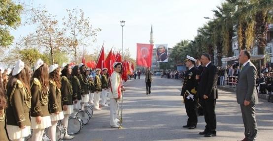 Cumhuriyet Bayramı Karamürsel'de Coşkuyla Kutlandı
