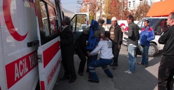 Elbistan'da Trafik Kazası: 2 Yaralı