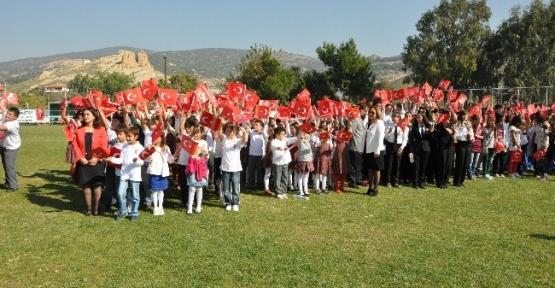 Foça'da 90. Yıl  Cumhuriyet Bayramı Coşkusu