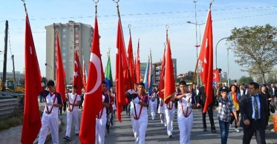 """Kuzulu, """"29 Ekim'de Cumhuriyet Aydınlığına Eriştik"""""""