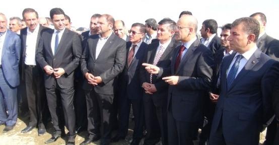 Maliye Bakanı Şimşek, Çay Islah Projesi Çalışmalarını İnceledi