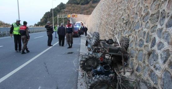 Minibüs Patpatla Çarpıştı: 1 Ölü
