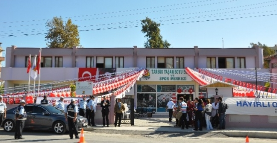 Tarsus Belediyesi Yaşam Boyu Eğitim Ve Spor Merkezi Törenle Açıldı
