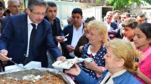 Başkanı Mustafa Poyraz, Kutlu Doğum Pilavı dağıttı