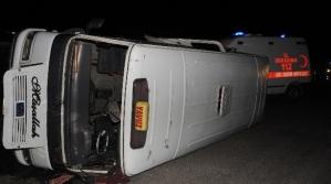 Yolcu Minibüsü Otomobille Çarpıştı: 5 Yaralı
