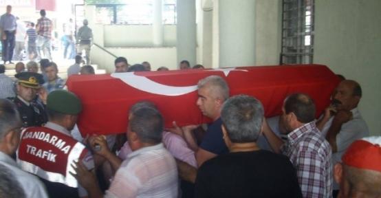 Trafik Kazasında Ölen Astsubay Toprağa Verildi