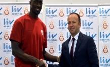 Galatasaray Liv Hospital, Pops Mensah İle Sözleşme İmzaladı
