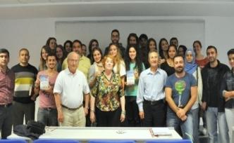 Ödüllü Amerikalı Yazar İzmir Üniversitesi'nde