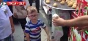 Maraş dondurmasıyla çocuğu çıldırttı